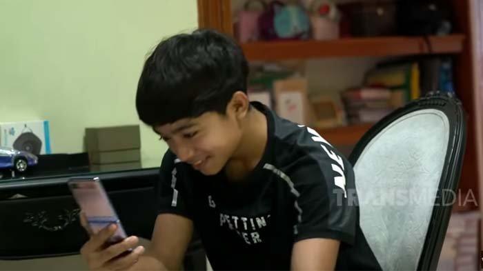 Betrand Peto Tertangkap CCTV Tengah Main HP Sambil Tersenyum, Ruben Onsu dan Sarwendah Syok