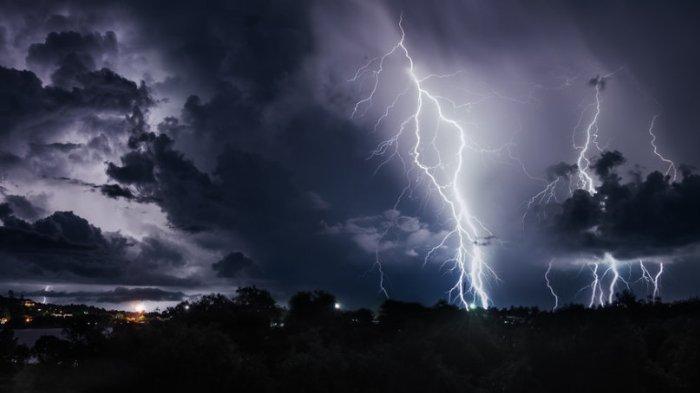 BMKG Keluarkan Peringatan Dini untuk Rabu 8 Juli 2020: Waspada Cuaca Ekstrem di 24 Wilayah