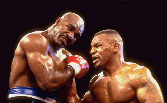 Evander Holyfield Lawan Enteng bagi Mike Tyson, Dillian Whyte: Si Leher Beton Cukup Bersantai