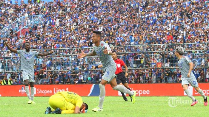 Hasil Klasemen Liga 1 2020, Menang Atas Arema FC, Persib Bandung Geser PSM di Puncak Klasemen